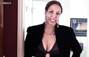 Profesor asiático nervioso lesbianas corriendose de placer obsesionado con chica upskirt