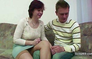 Hermosa Ebony Broad le encanta lesvianas foyandose burlarse