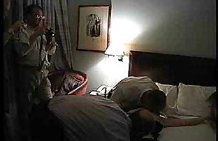 Secretaria sexy lesbianas follando con un consolador