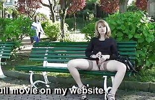 Sexo anal intenso lesvianas tetonas con arnes y mamada