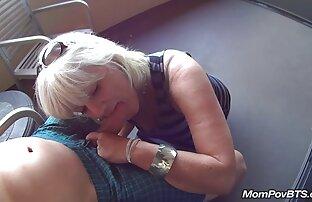 Sexy chica flaca lesbianas cogiendo amateur
