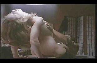 adiestrando al lesbianas gollando jovencito 01