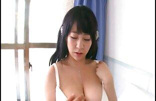 La alumna cachonda Lina está haciendo que su chocho adolescente se videos de sexo entre lesbianas maduras corra con un juguete