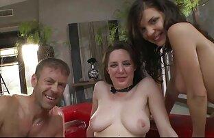 LaCochonne - lesbianas follando en el cine La morena se lance dans un menage a trois anal