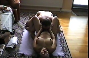 (2) lesbianas españolas follan bien rico Baño caliente