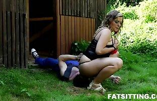 Cumming lesbianas tortillando al porno