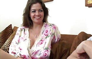 Vanessa encantada de que le lamen el coño justo antes de ser lesbianas hermosas cogiendo clavada