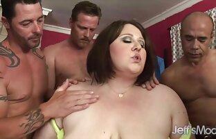 Anal con 4 lesbianas haciendo el amor dos MILFS